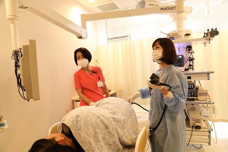 大腸カメラ挿入